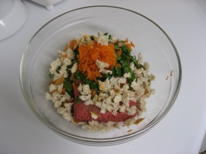 Lean hamburger, bread crumbs, grated carrots and chopped spinach